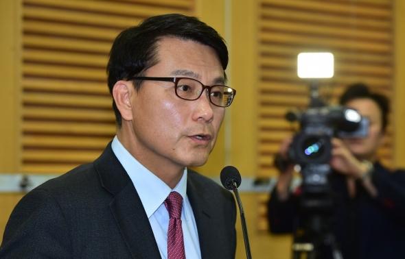 자유한국당 원내대표 출사표 던진 윤상현 의원