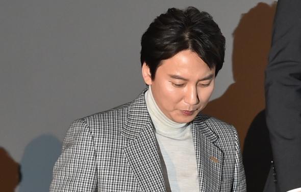 김남길, 클로젯으로 향하는 발걸음