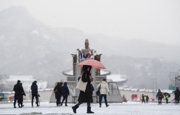 눈 쌓인 광화문광장