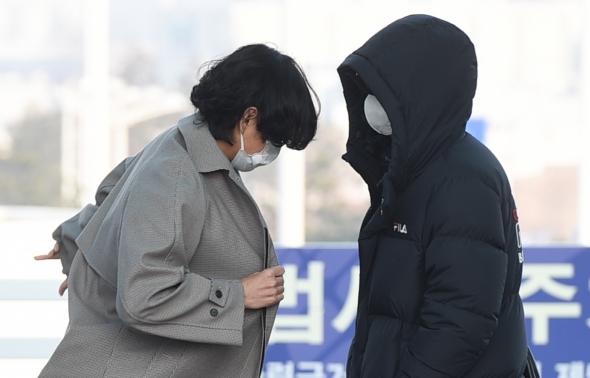 방탄소년단, 코트 입는 뷔