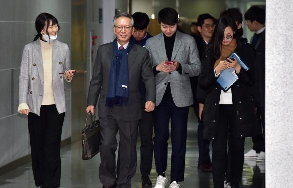 공천관리위 회의 참석하는 김형오 위원장