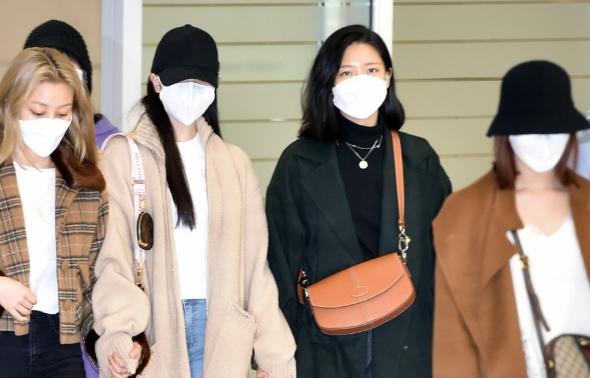 트와이스 미나, 이젠 멤버들과 함께 입국