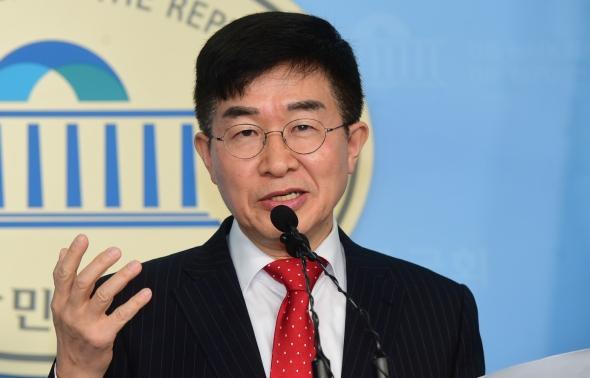 공병호 공관위원장, 미래한국당 공관위원 발표