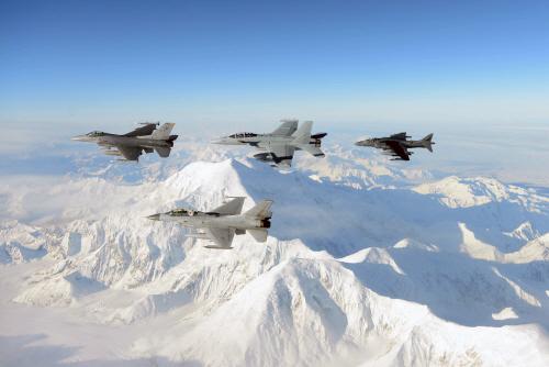 알래스카 상공 비행하는 한국 KF-16