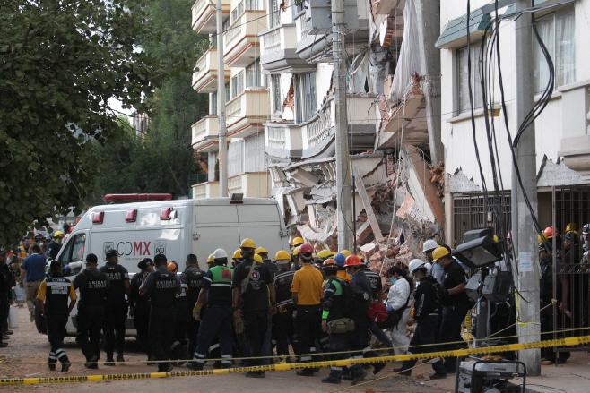 멕시코 지진 구조 현장
