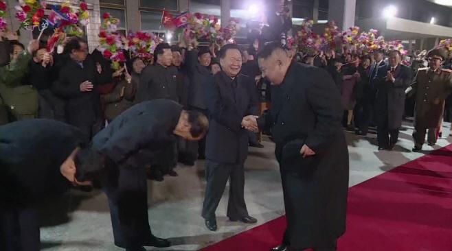 북한 TV, 김정은 방러 기록영화 방영