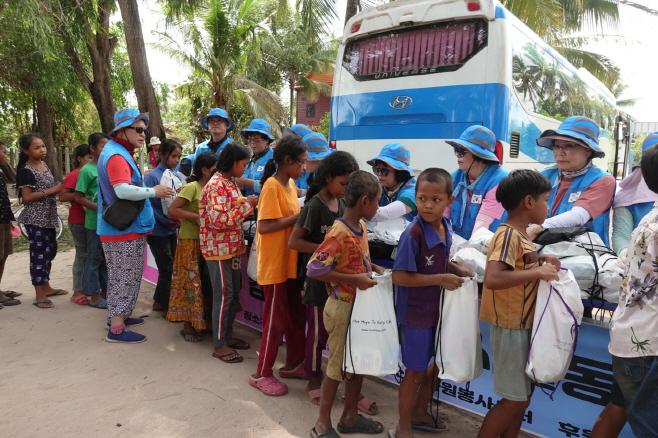 예산군자원봉사센터, 캄보디아 씨엡립 해외봉사활동 펼쳐