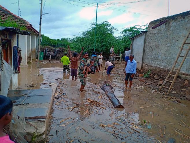 인도에 몬순 홍수…200여명 사망·이재민 100만명