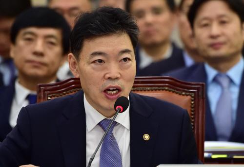 [포토] 김오수 차관 '법무부 국정감사 답변'