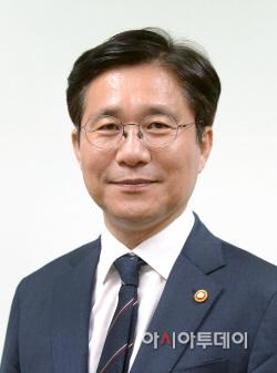 성윤모 산업통상자원부장관