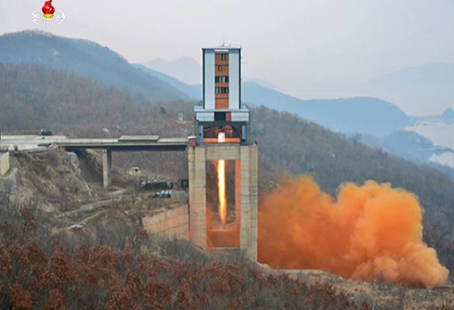 북한 '서해발사장 중대 시험'<YONHAP NO-2974>