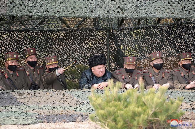 김정은, 포사격대항경기 참관