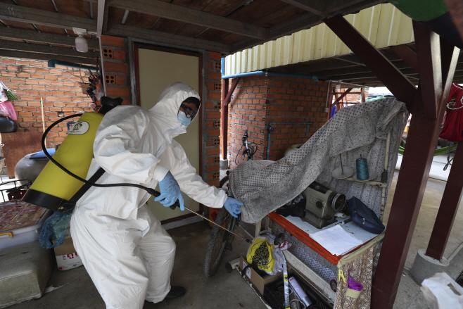 APTOPIX Virus Outbreak Cambodia <YONHAP NO-3767> (AP)