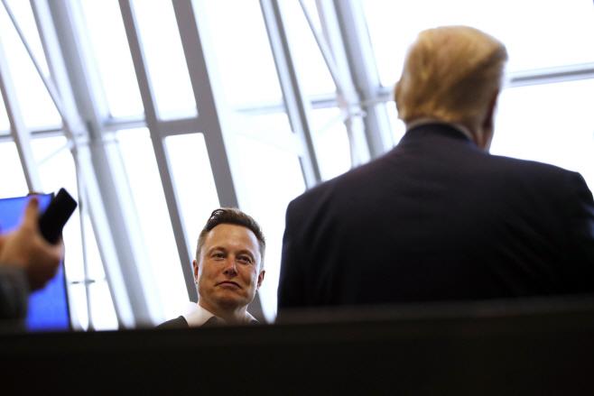 Trump SpaceX