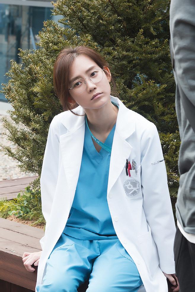 신현빈 슬기로운 의사생활 현장 스틸 (09)