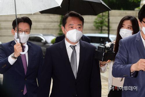 이웅열 전 코오롱 회장 구속심사