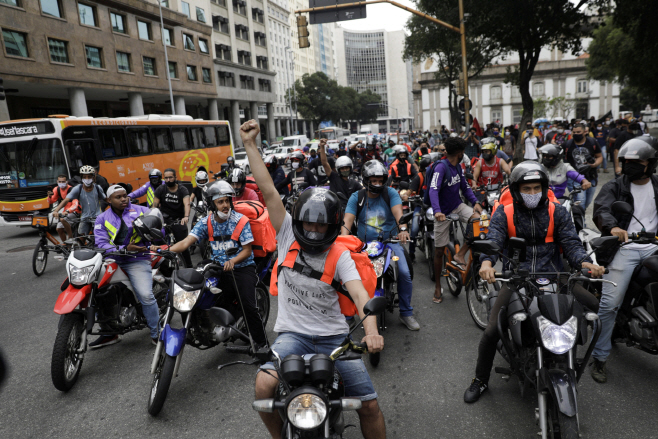 BRAZIL-UBER/PROTESTS <YONHAP NO-2121> (REUTERS)