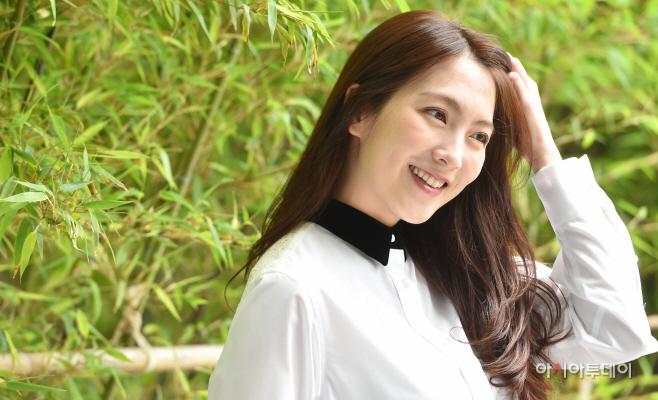[포토] 강지영, 수줍은 미소