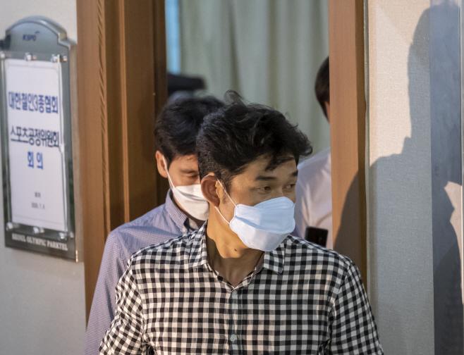 스포츠공정위 나서는 김규봉 트라이애슬론 감독