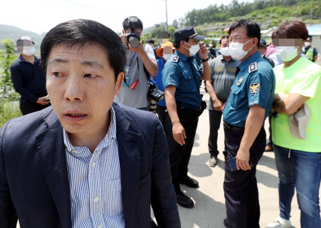 되돌아가는 박상학 자유북한운동연합 대표