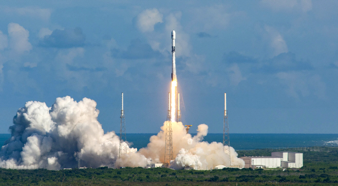 군 전용 통신 위성 '아나시스 2호' 발사 열흘 만에 궤도안착