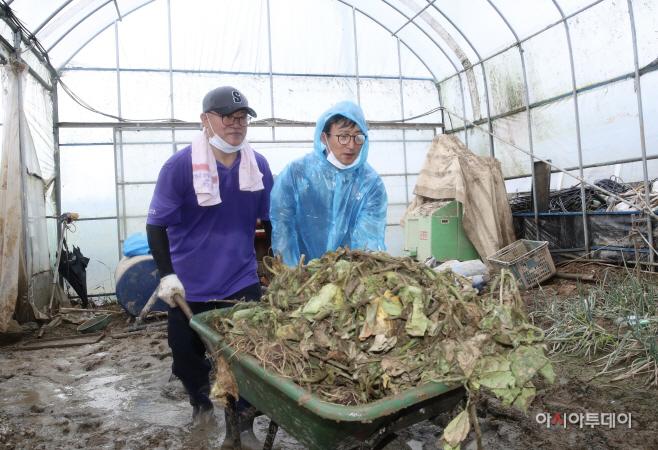 충남도의회, 천안지역 찾아 수해 복구 작업 힘 보태