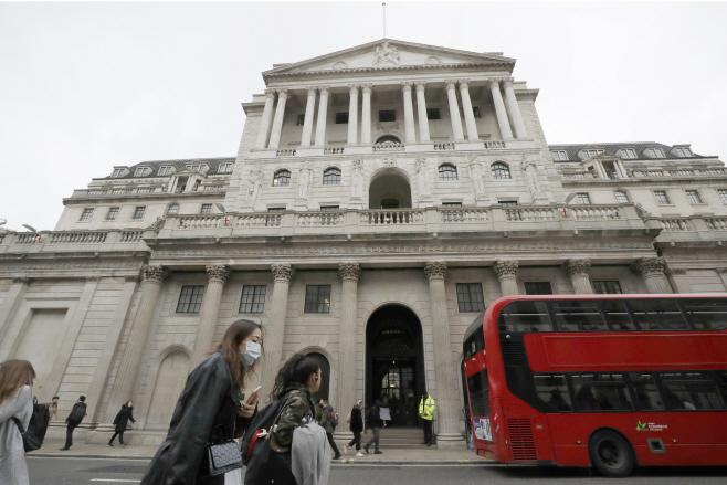 Britain Economy <YONHAP NO-3736> (AP)