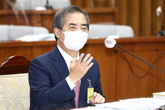 답변하는 조병현 중앙선거관리위원회 위원 후보자