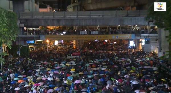 태국서 대규모 반정부 시위 열려, 도로 점거