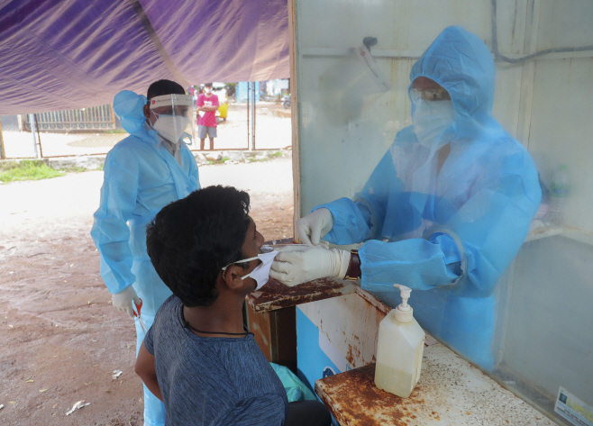 Virus Outbreak India <YONHAP NO-2460> (AP)
