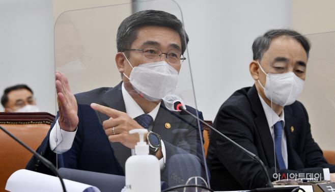 [포토] 국회 국방위 종합감사 답하는 서욱 장관