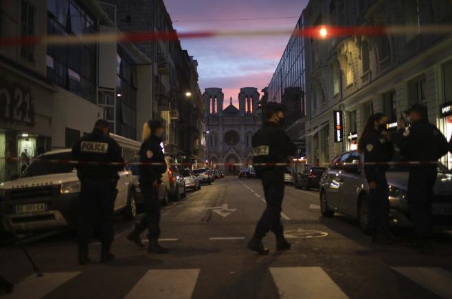France Attack <YONHAP NO-0942> (AP)