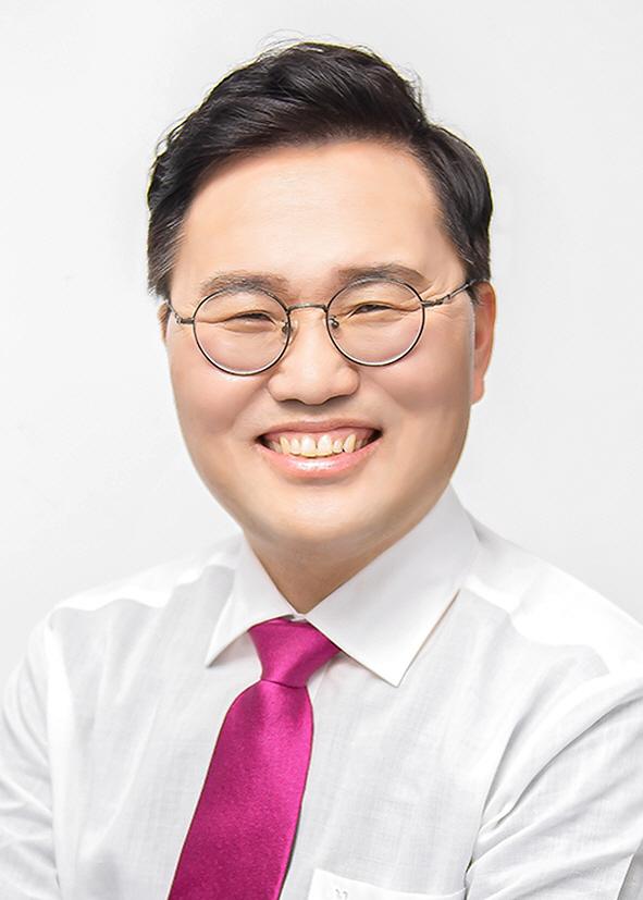 홍석준 경력방송용 프로필사진1
