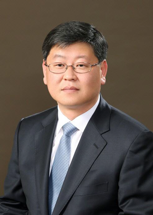 문 대통령, 법무부 차관에 이용구 변호사 내정