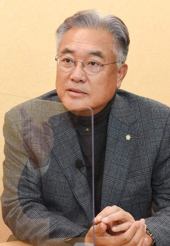 아투초대석 정진석 국민의힘 의원 인터뷰2