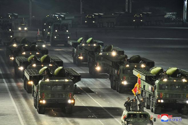 북한판 이스칸데르형 미사일…당대회 기념 열병식에도 등장