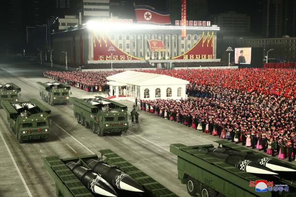 북한, 당대회 기념 열병식…'개량형 이스칸데르' 공개