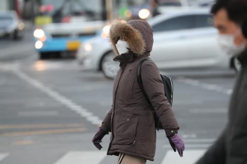 아직은 쌀쌀한 출근길