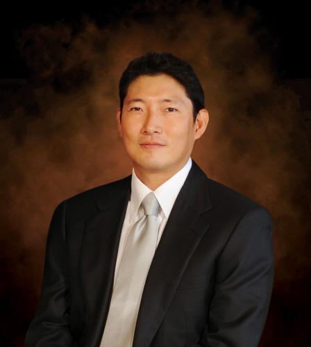 사진 1. 조현준 회장님(프로필 사진)