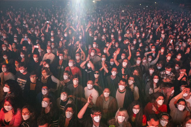 Virus Outbreak Spain Concert <YONHAP NO-0792> (AP)