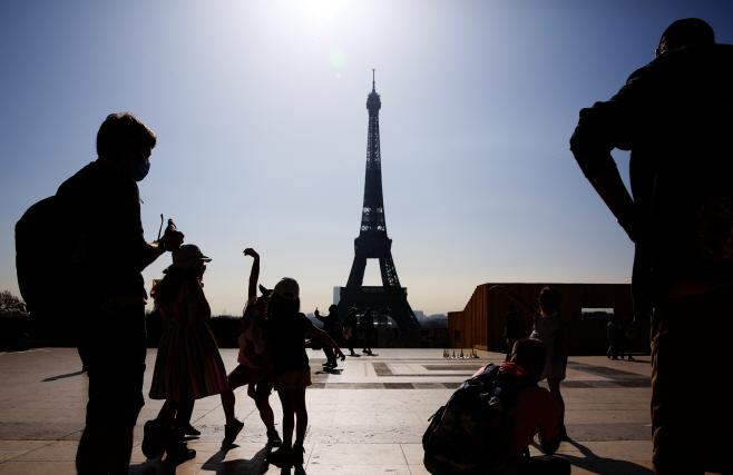FRANCE-PARIS-COVID-19-NATIONWIDE PARTIAL LOCKDOWN
