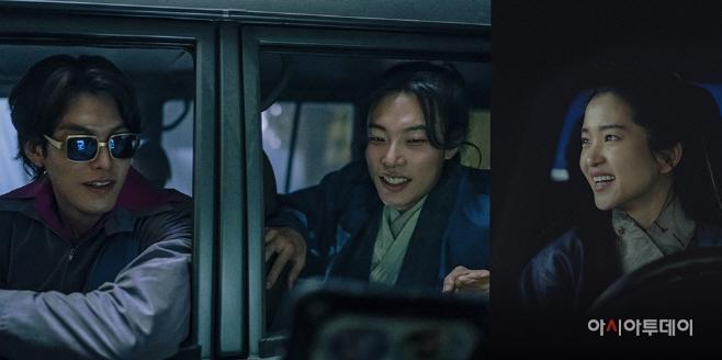 김우빈 류준열 김태리