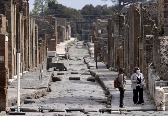 ITALY-POMPEII-REOPENING