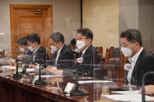 이억원 기재차관 거시경제금융회의