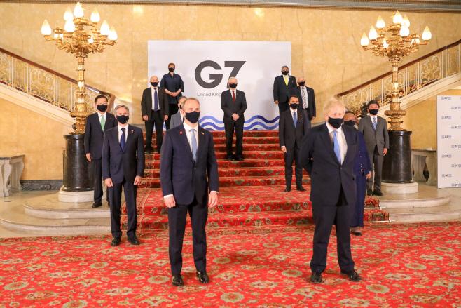 외교개발장관회의 참석한 영국 총리·각국 장관들