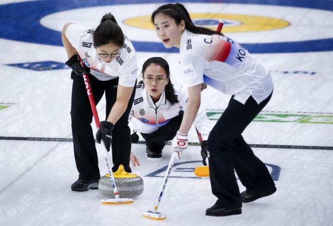 Canada Worlds Women Curling <YONHAP NO-0441> (AP)