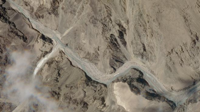 na Himalayan Standoff <YONHAP NO-3132> (AP)