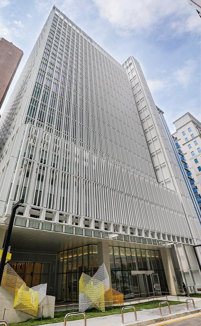 2) 현대백화점 사옥 전경①