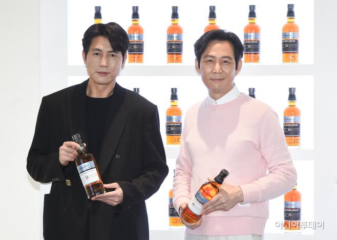 [포토]정우성-이정재, '오늘 한잔 어떠세요'