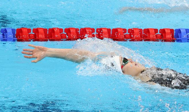 [올림픽] 배영으로 앞서 나가는 김서영<YONHAP NO-6464>